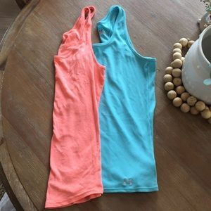 Tops - Set of two tank tops